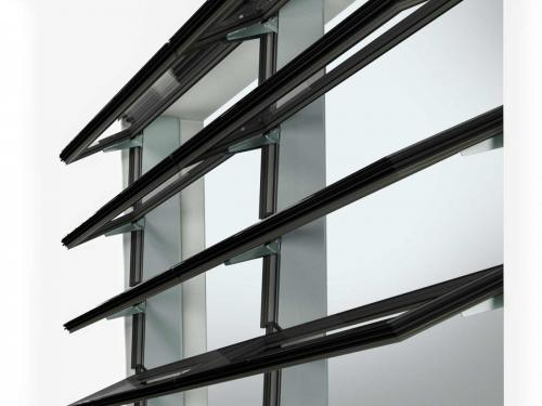 Vallona Lamellenfenster Detail Aussen