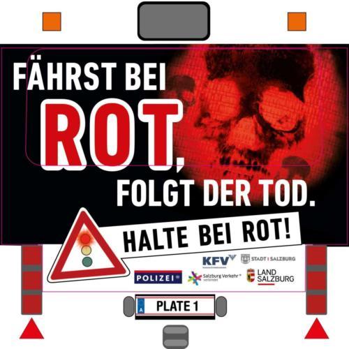 """Verkehrssicherheitskampagne des Landes Salzburg 2018: Busheck-Kleber """"Halte bei Rot"""""""